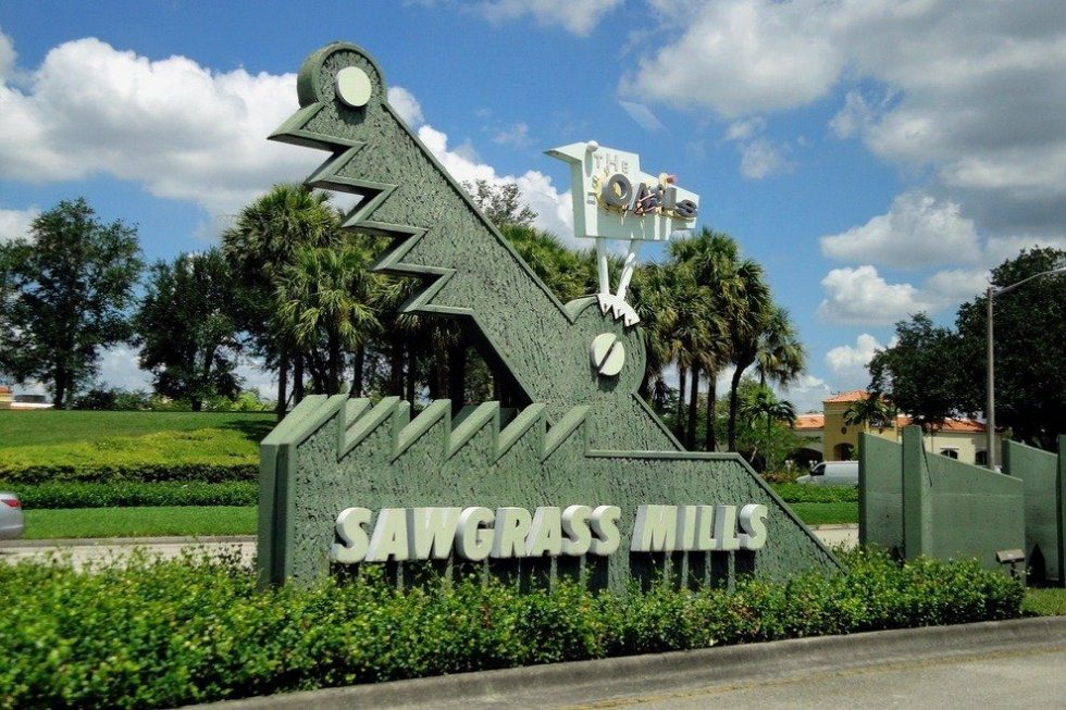 Sawgrass Mall lock repair & safe combination change
